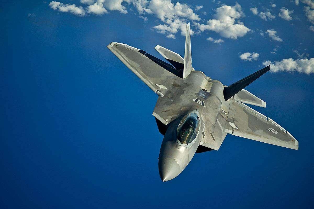 Gruntowne odświeżenie myśliwców F-22 Raptor USA, odświeżenie myśliwców F-22 Raptor, naprawa F-22 Raptor