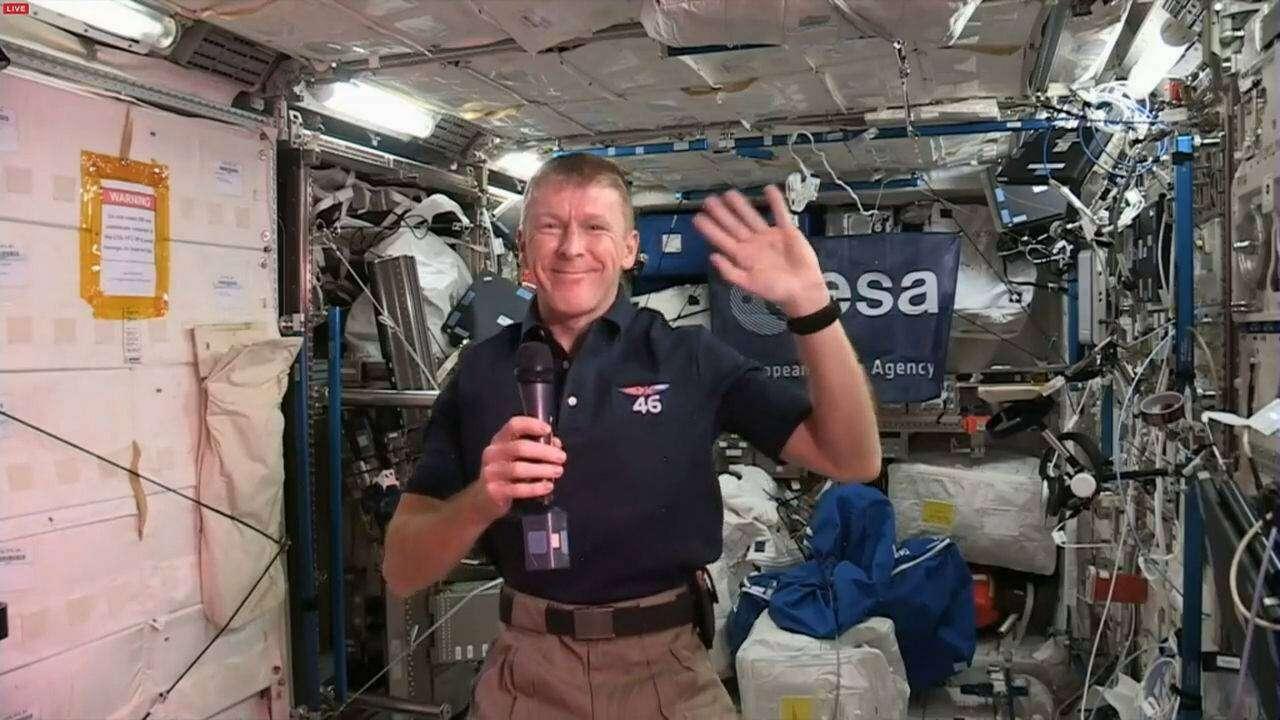 Kosmiczna pomyłka telefoniczna - Astronauta z ISS dzwoni pod zły numer