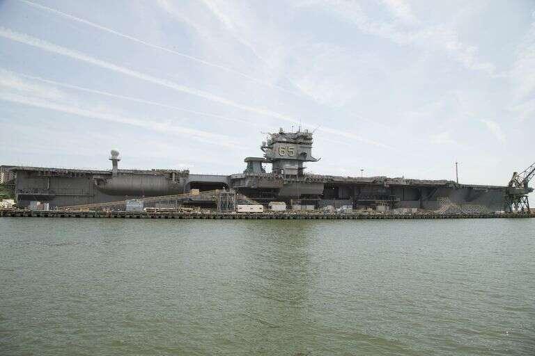 Demontaż USS Enterprise stanowi nie lada wyzwanie
