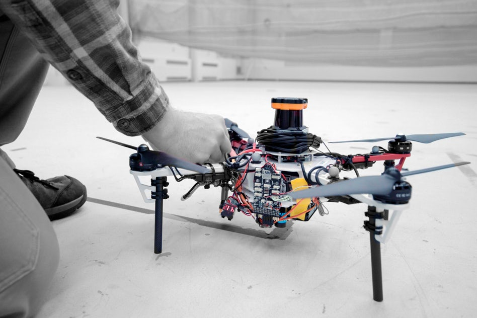 Nowatorski system uwalnia drony od łączności GPS