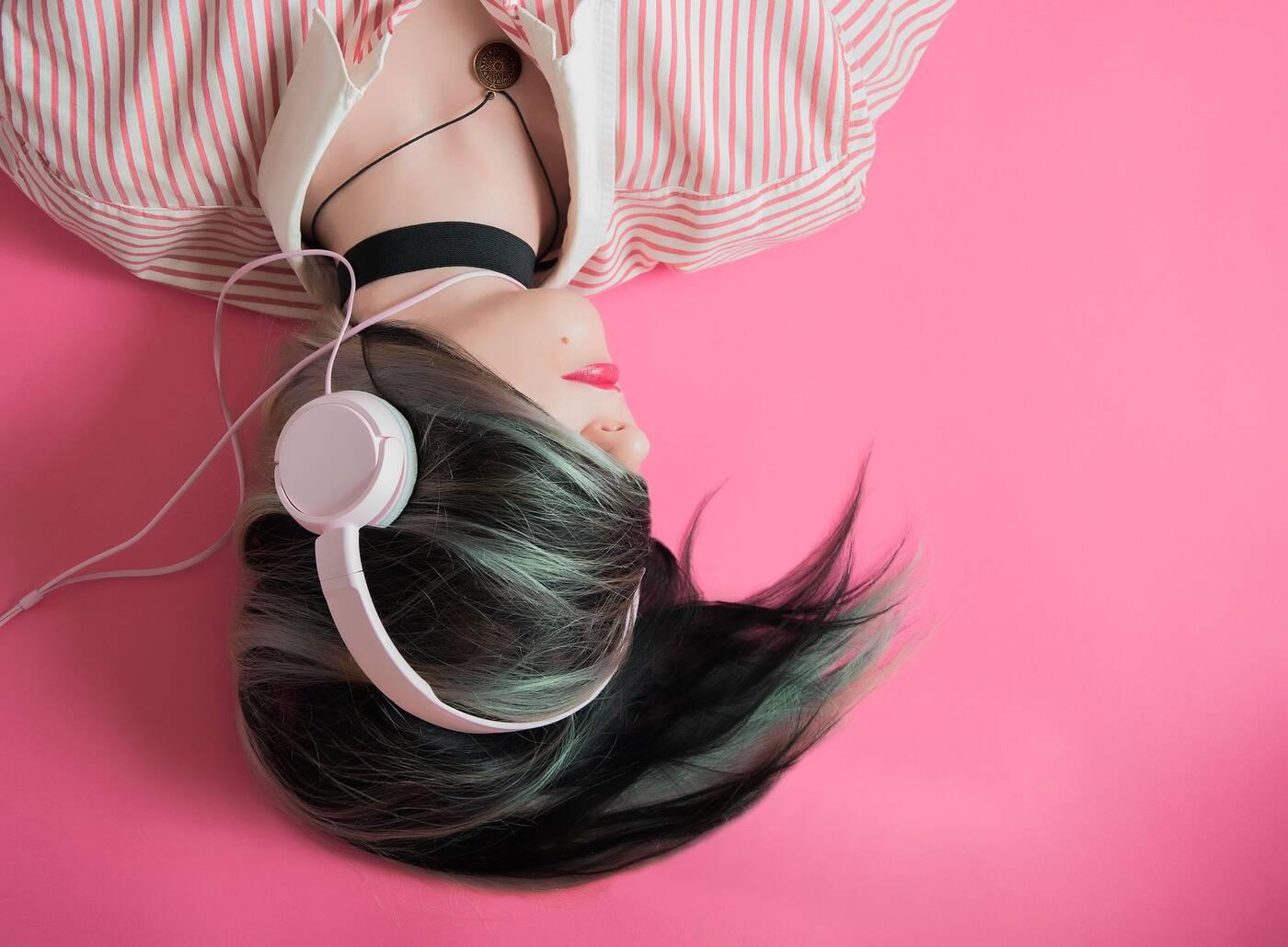 muzyka, nauka a muzyka, słuchanie muzyki, kreatywność muzyka,