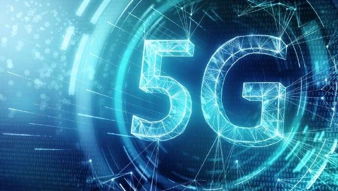 Kiedy dostawy smartfonów 5G przebiją sprzedaż smartfonów 4G?