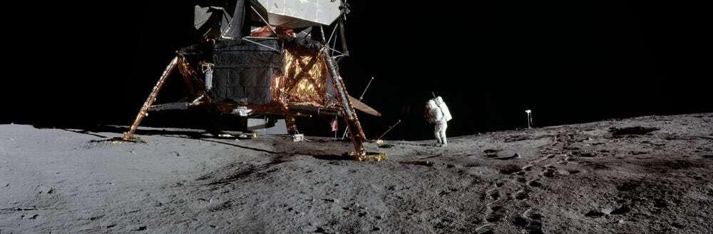NASA świętuje lądowanie na Księżycu udostępniając zdjęcia z epoki Apollo