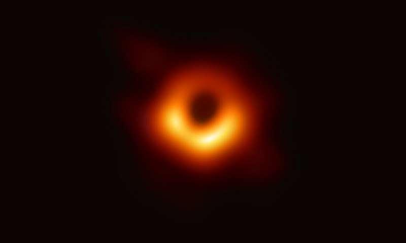 Czarne dziury w filmach przyszłości będą fenomenalne