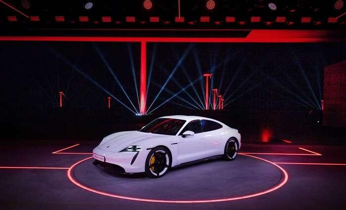 Doczekaliśmy się oficjalnej prezentacji elektrycznego Porsche Taycan