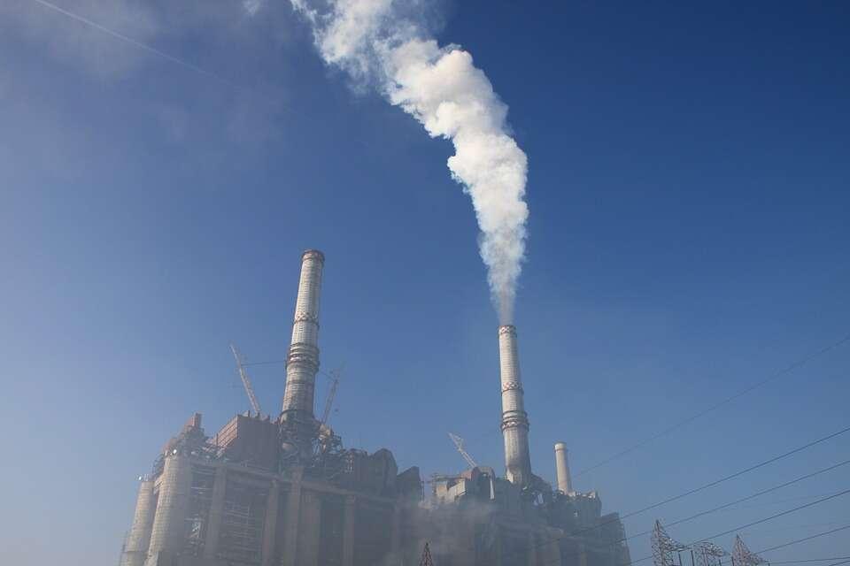 Wygraliśmy z wulkanami… ale w zanieczyszczaniu atmosfery