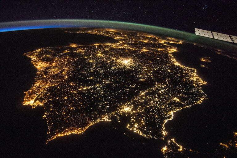 Zanieczyszczenie świata sztucznym światłem pod okiem agencji