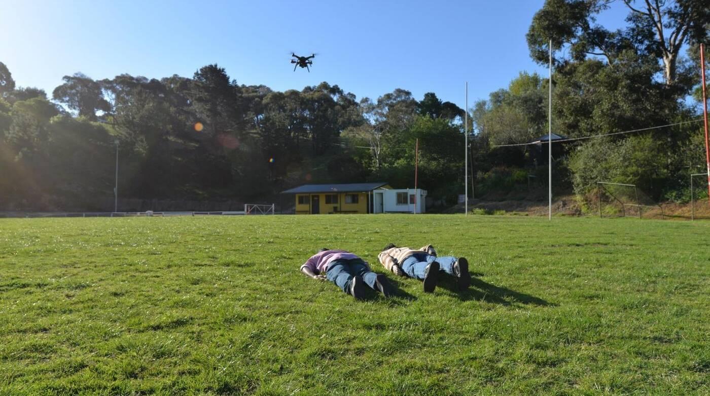 Z tą technologią drony odróżnią trupy od żywych