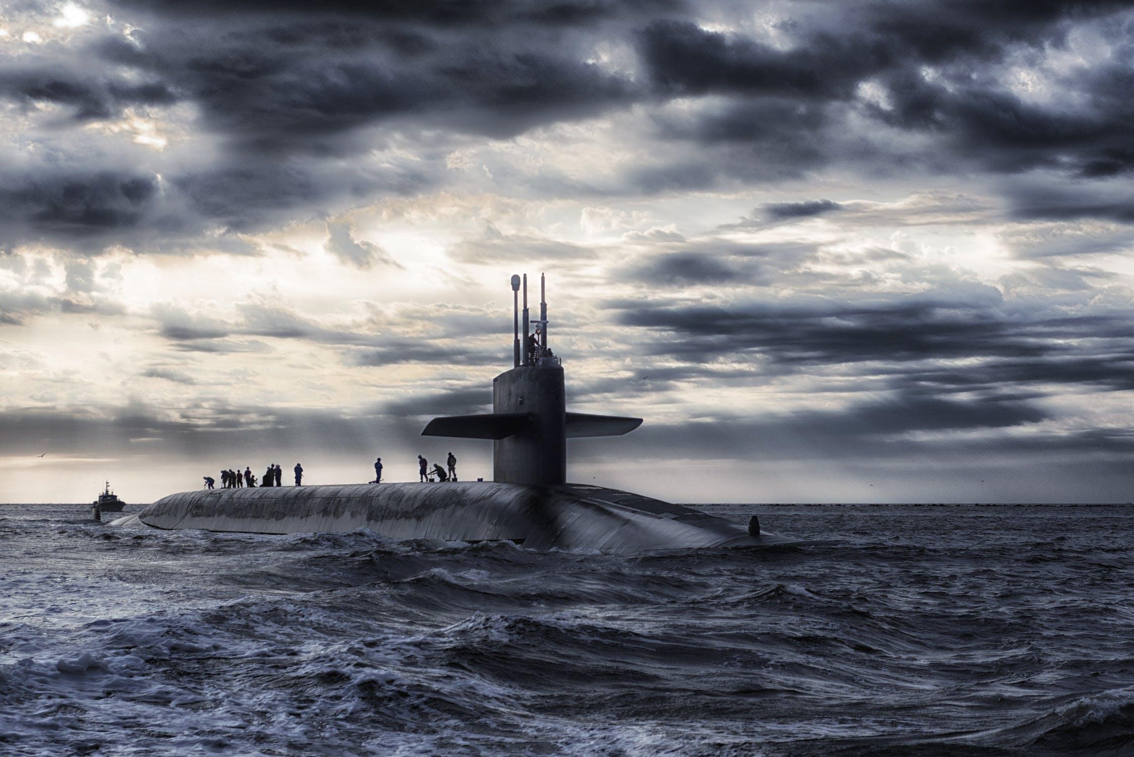 Niewidzialne okręty podwodne i czołgi w zasięgu metamateriałów