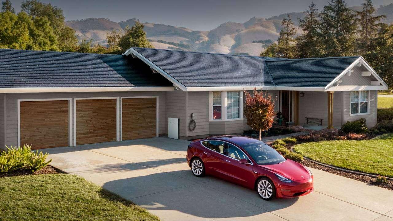 Ten produkt Tesli podbije nasze dachy. Tak przynajmniej twierdzi Elon Musk