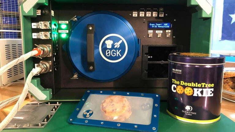ciastka z kosmosu, piekarnik na ISS, piekranik na międzynarodowej stacji kosmicznej, pieczenie na ISS