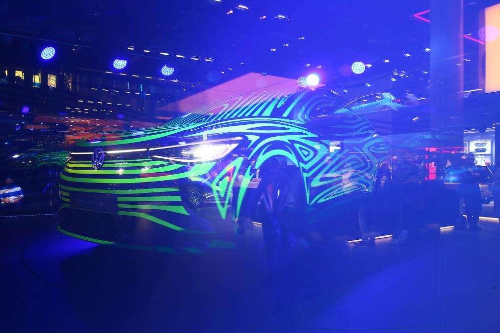 Elektryczny Volkswagen ID.4, teaser Volkswagen ID.4, SUV ID.4 Volkswagena, teaser ID4