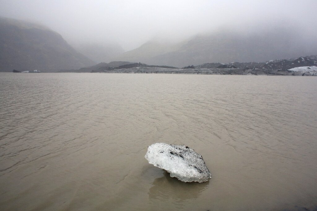 topnienie lodowców, lodowiec Solheimajokull, cofanie się lodowców, pomiary lodowców