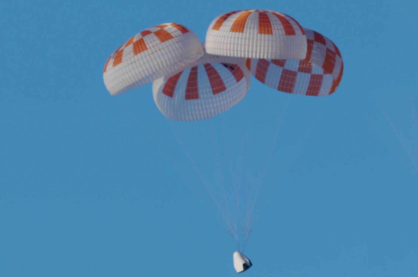 testy Crew Dragon, spadochrony w Crew Dragon, SpaceX Crew Dragon, test spadochronów Crew Dragon