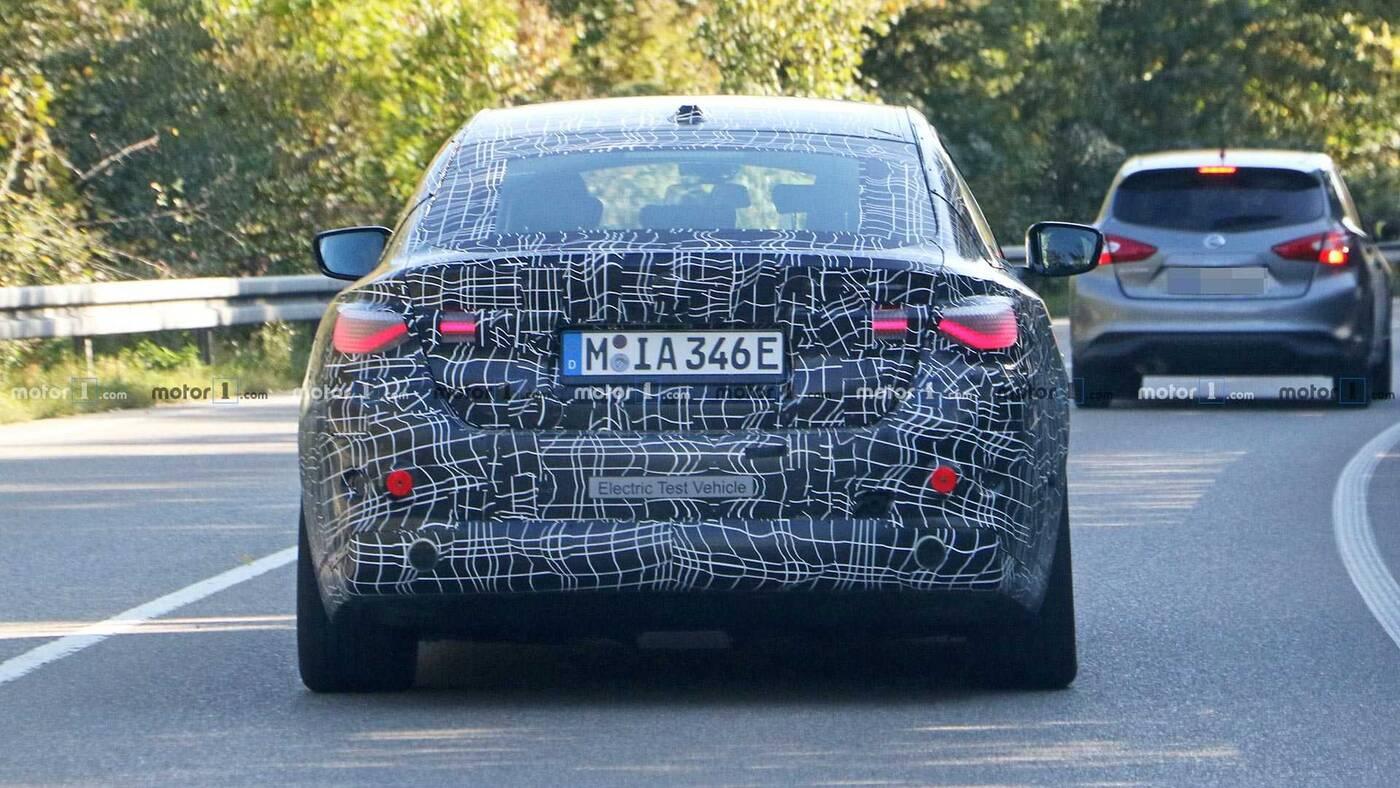 BMW i4, specyfikacja BMW i4, elektryczny BMW i4, sedan BMW i4