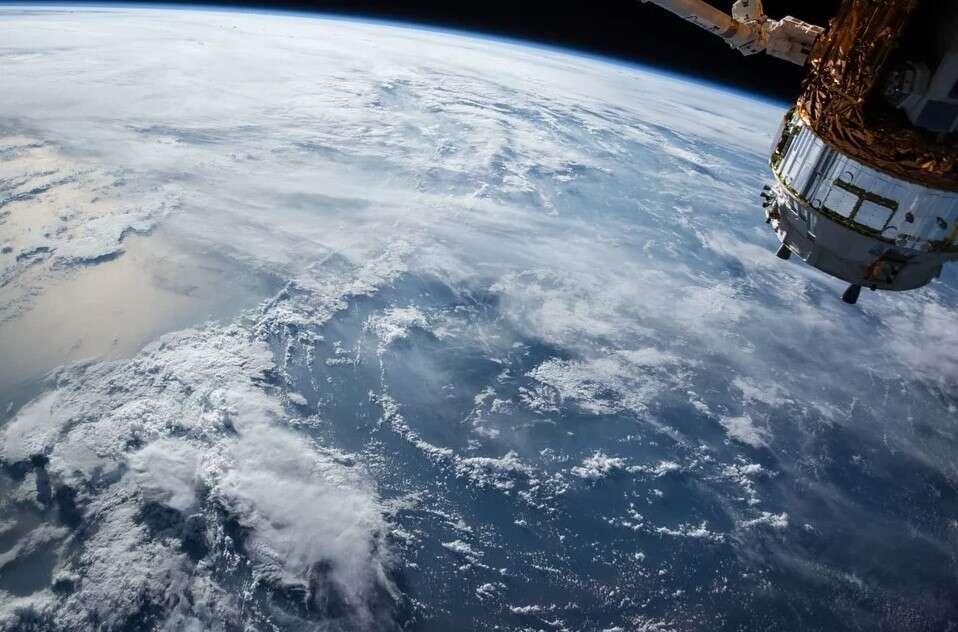 Amazon chce zapewniać dostęp do Internetu z kosmosu. Tak jak SpaceX satelitami Starlink