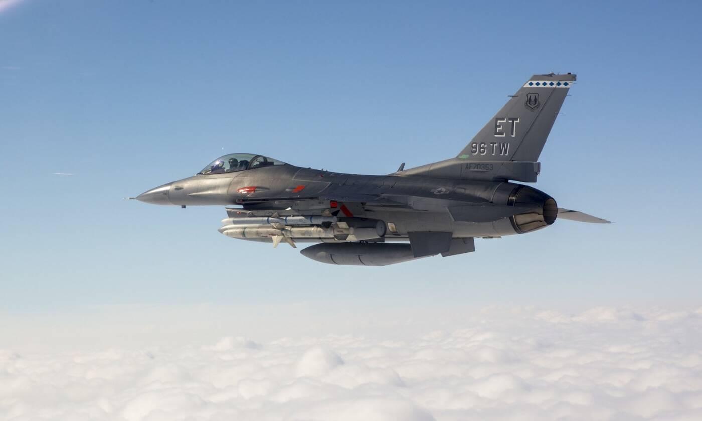 F-16 Fighting Falcon, myśliwiec F-16, zestrzelenie pocisku manewrującego, testy wojsk USA