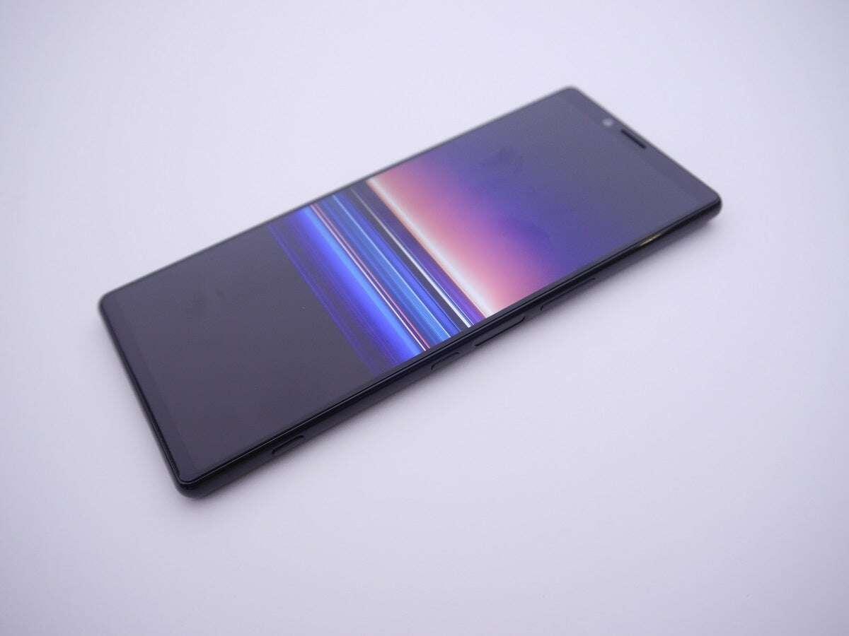 Sony sprzedaż smartfonów