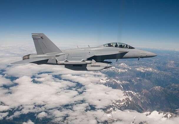 Marynarka USA zakończyła lot autonomicznej pary samolotów EA-18G Growler