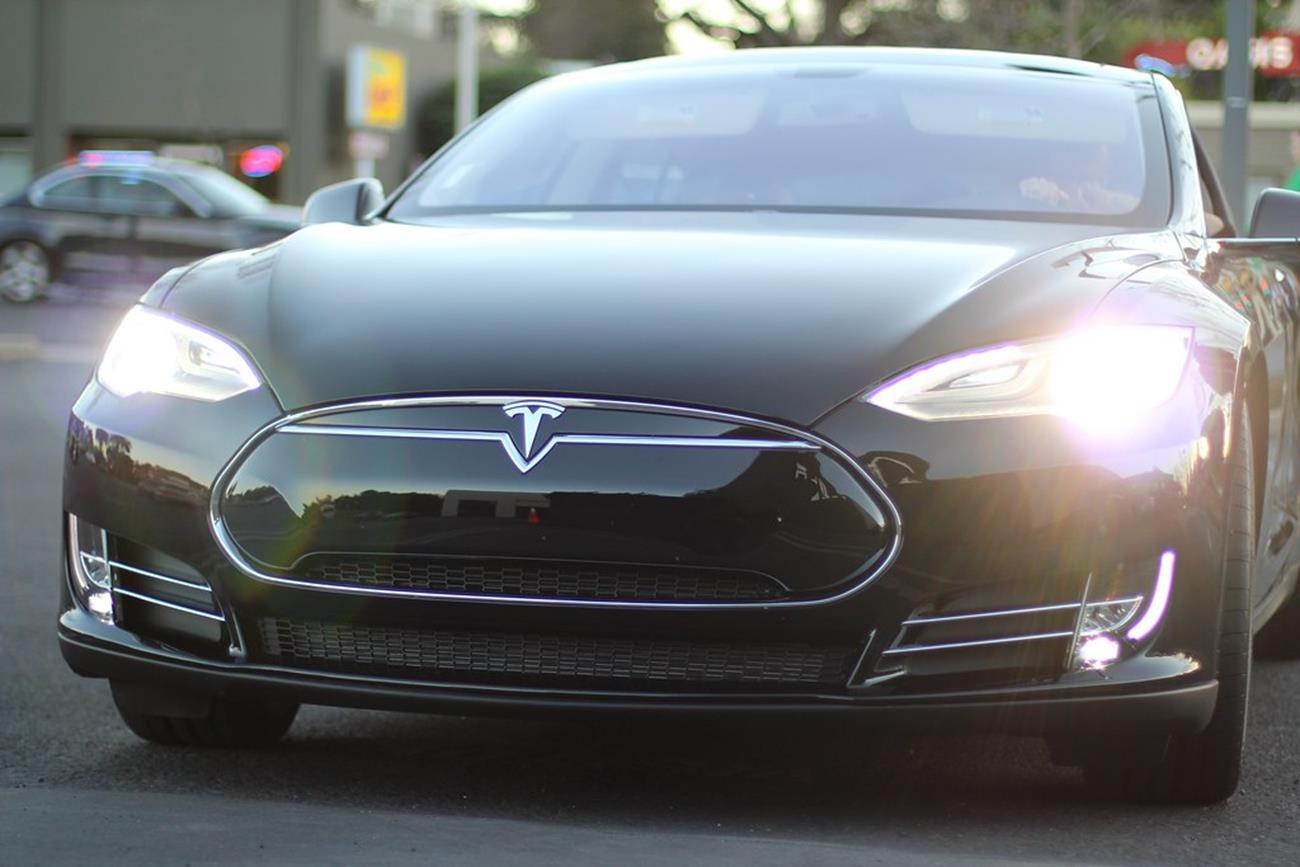 Tesla Model S, Tesla, Model S, McLaren 720S, 720S vs Model S