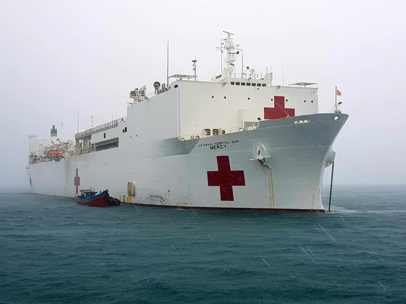 statek szpitalny, USNS Mercy, Mercy, Comfort, koronawirus, epidemia