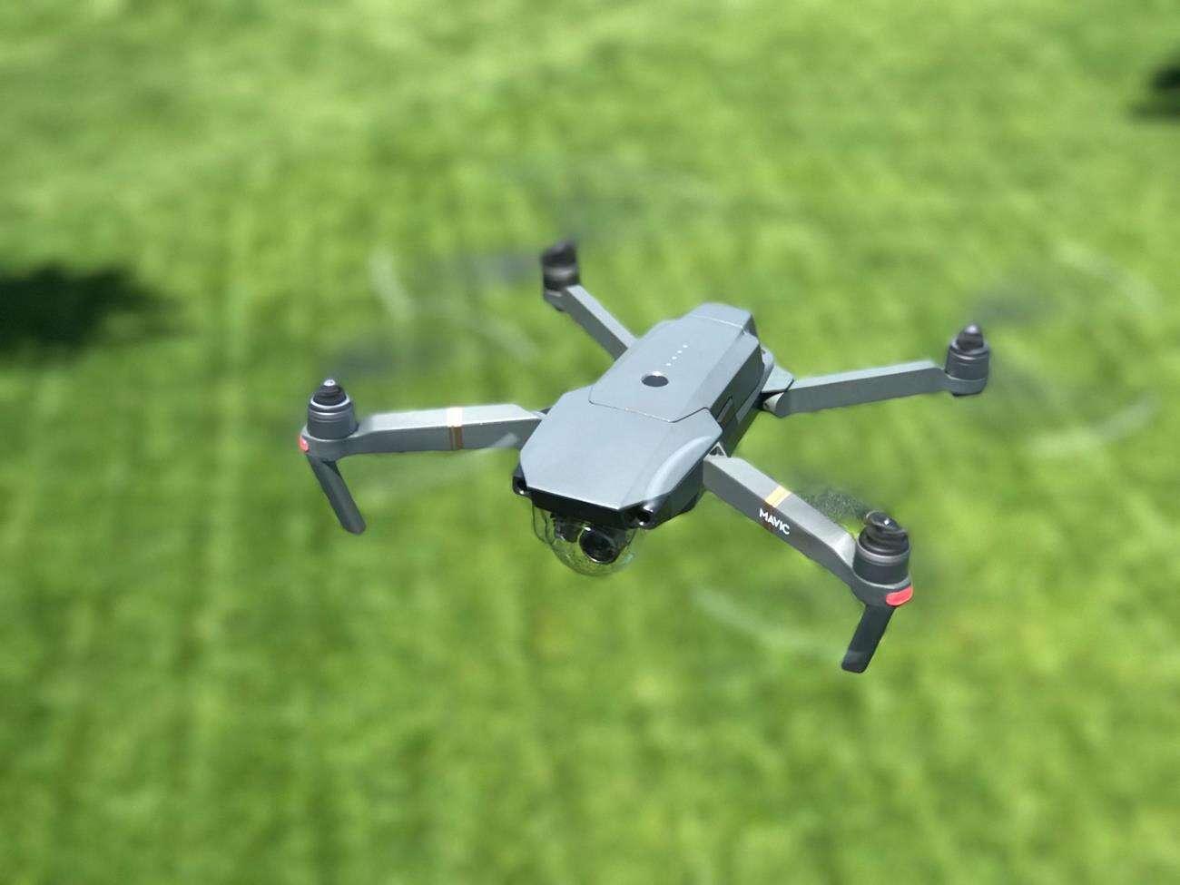 Ten dron może pomóc w wyszukiwaniu zarażonych koronawirusem