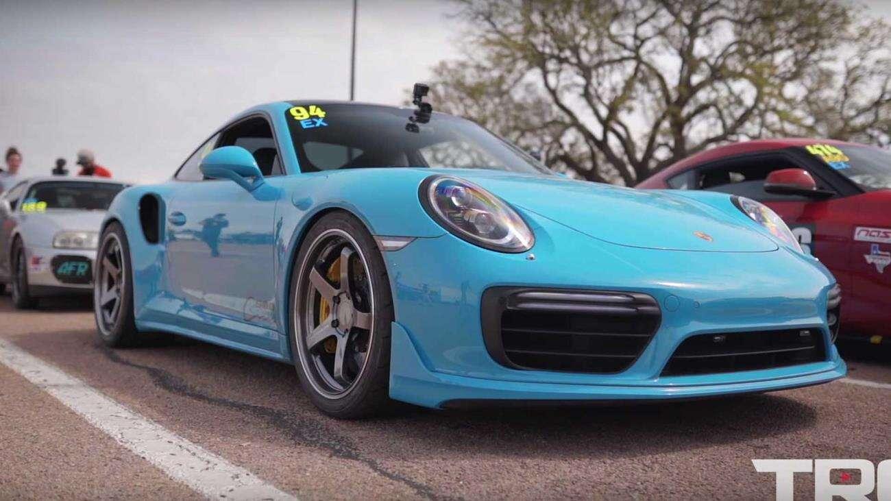 Obejrzyj jak szybko rozpędza się to 950-konne Porsche 911 Turbo S