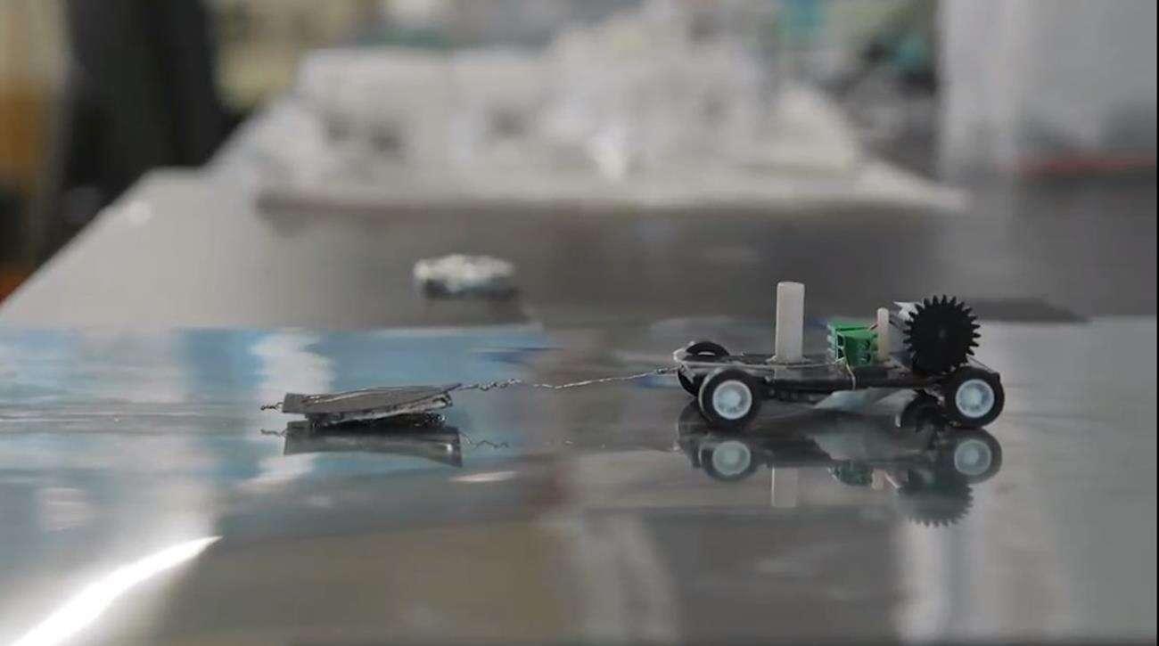 "Ten robot czerpie energie ""pożerając"" aluminium"