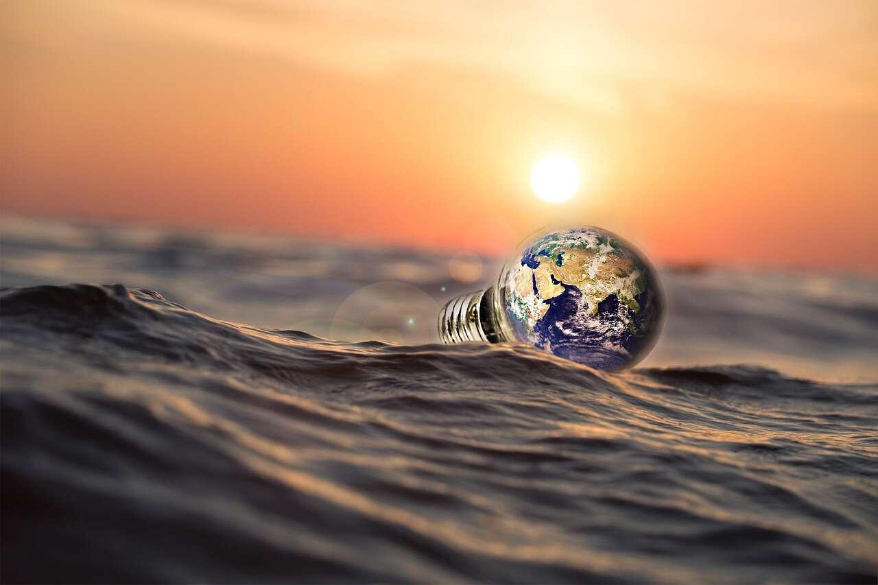 """Wczesna Ziemia mogła być """"wodnym światem"""""""