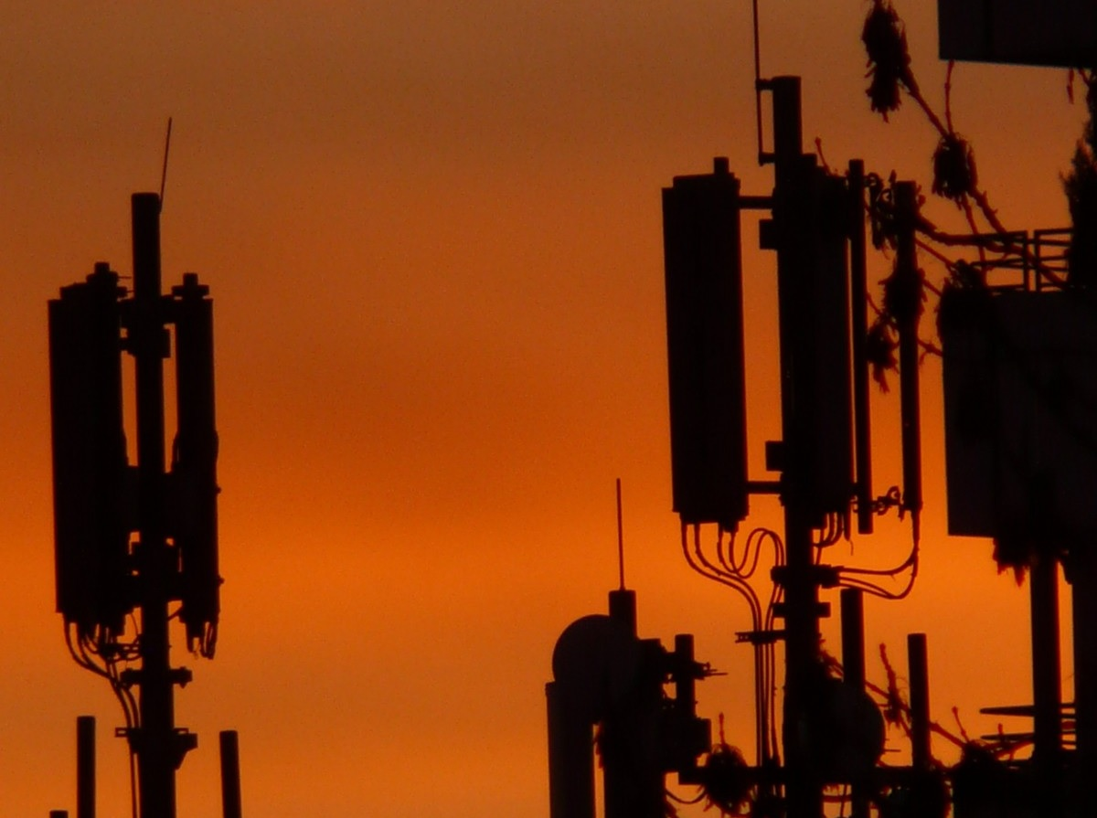 Czy 5G szkodzi? Badania pokazują, że szkodzi strach przed 5G