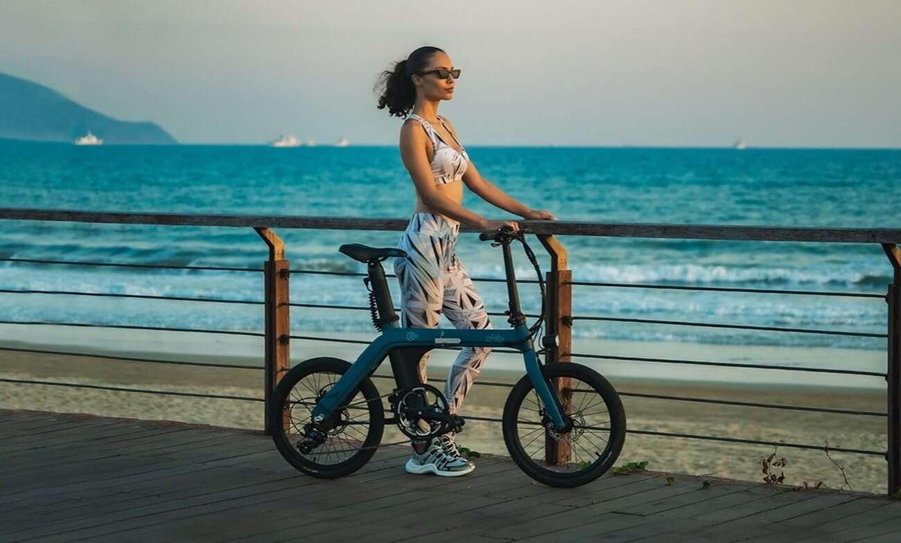 Składany rower elektryczny Fiido D11 zaskakuje zasięgiem