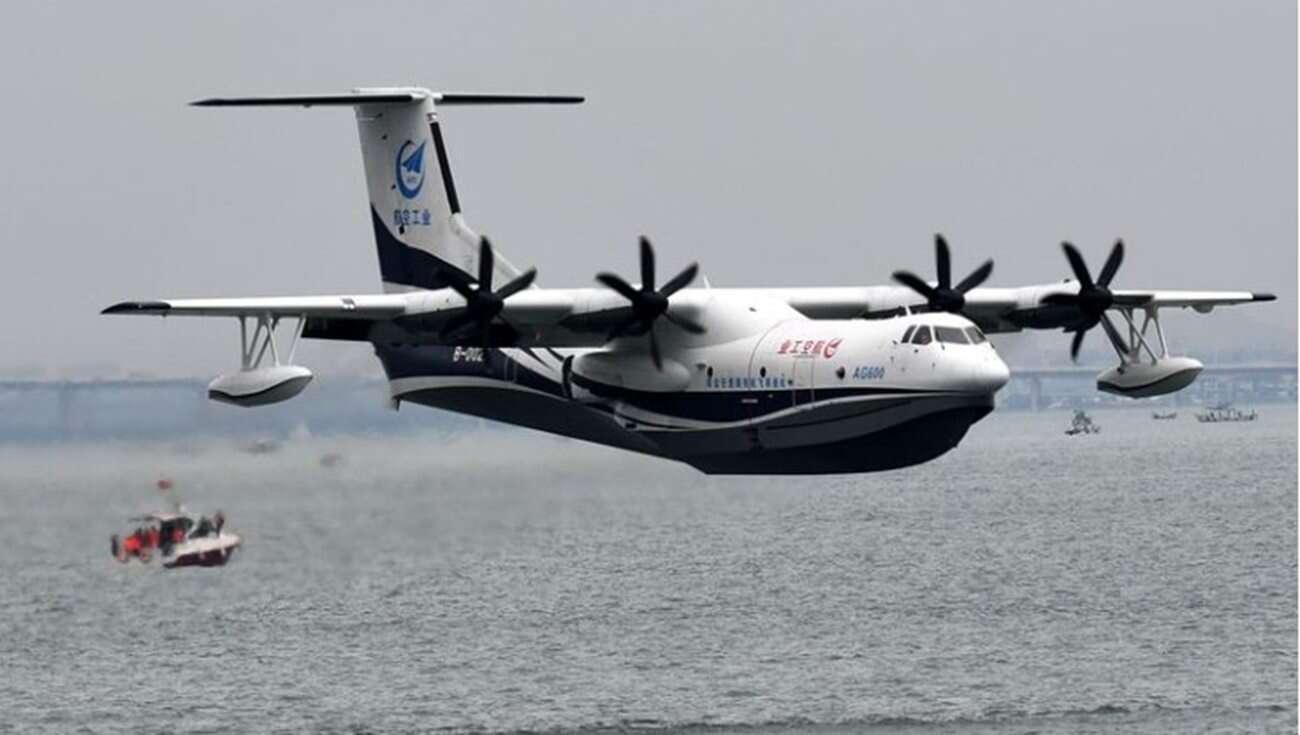 Największy na świecie hydroplan sprawdził swoje wodne możliwości