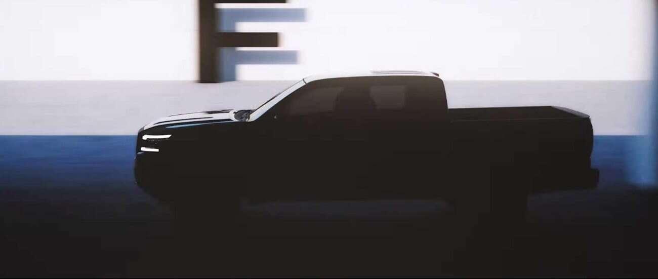 Zwiastun Nissan Frontier nowej generacji bawi się w piachu na zwiastunie