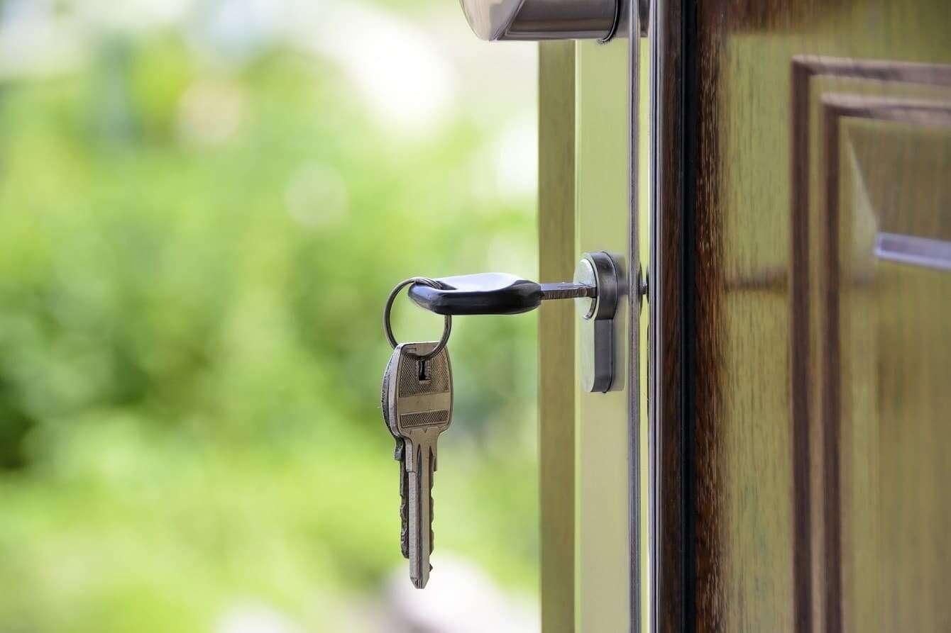 Potrzeba coraz więcej pieniędzy, by kupić mieszkanie na kredyt