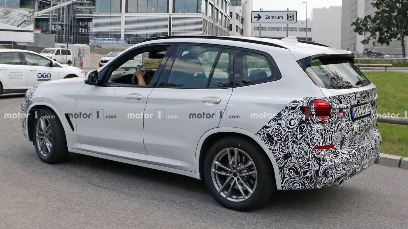 Odświeżenie BMW X3 2021 po raz pierwszy w obiektywie
