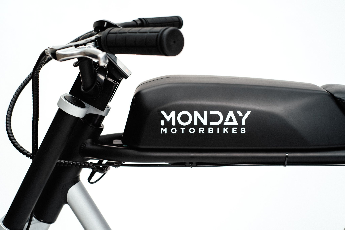 Anza od Monday Motorbikes, to obecnie najtańszy motorower