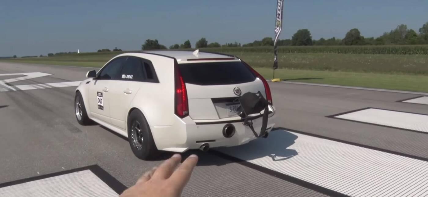 kombi Cadillac CTS-V 1700 KM