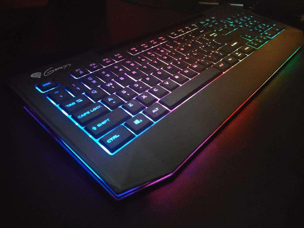 Test Genesis Lith 400 RGB – klawiatura rodem z laptopa