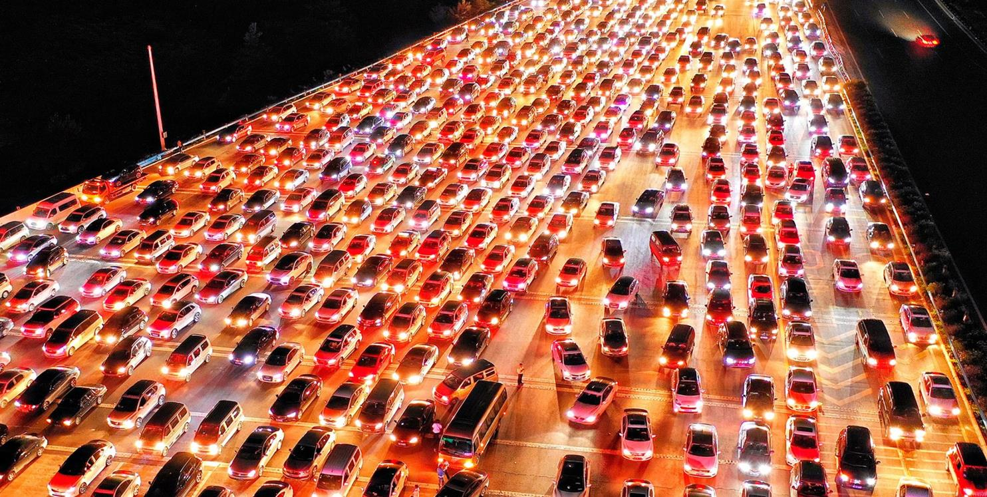 Chiny ogłosiły rok porzucenia spalinowych samochodów. Jest jednak jeden problem