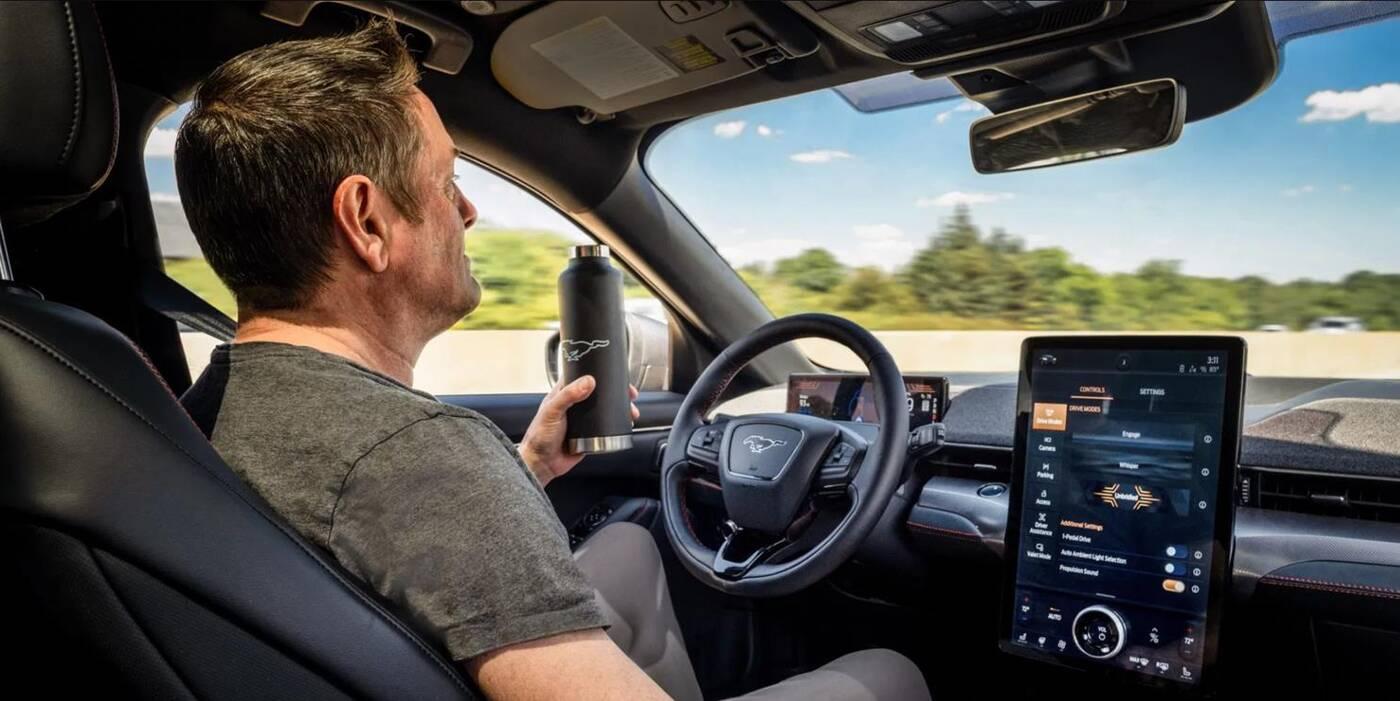 Ford ujawnia szczegóły autonomii Mustanga Mach-E