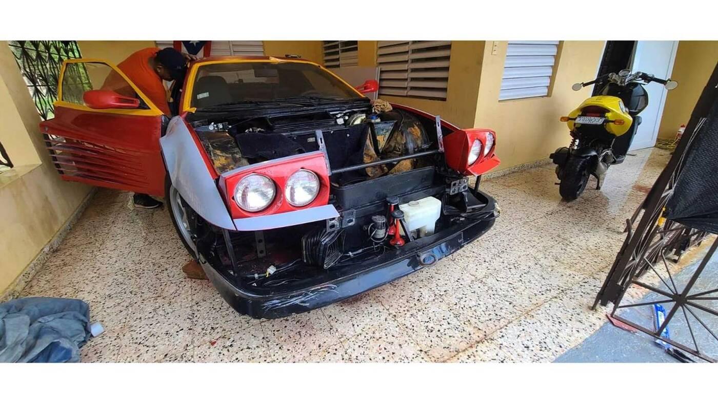 Ktoś jednak uratował pozostawione Ferrari Testarossa!