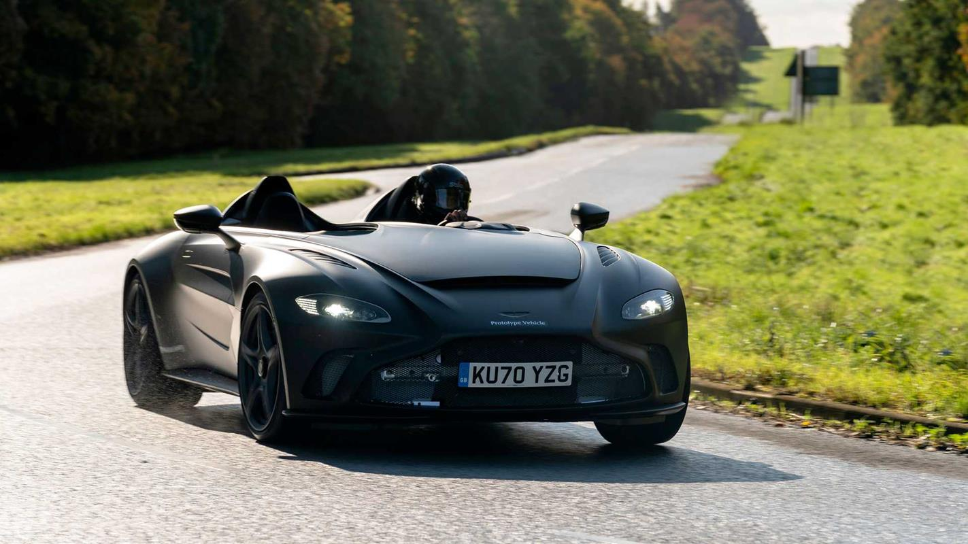 Technologia za udziały, czyli wymiana Mercedesa i Astona Martina