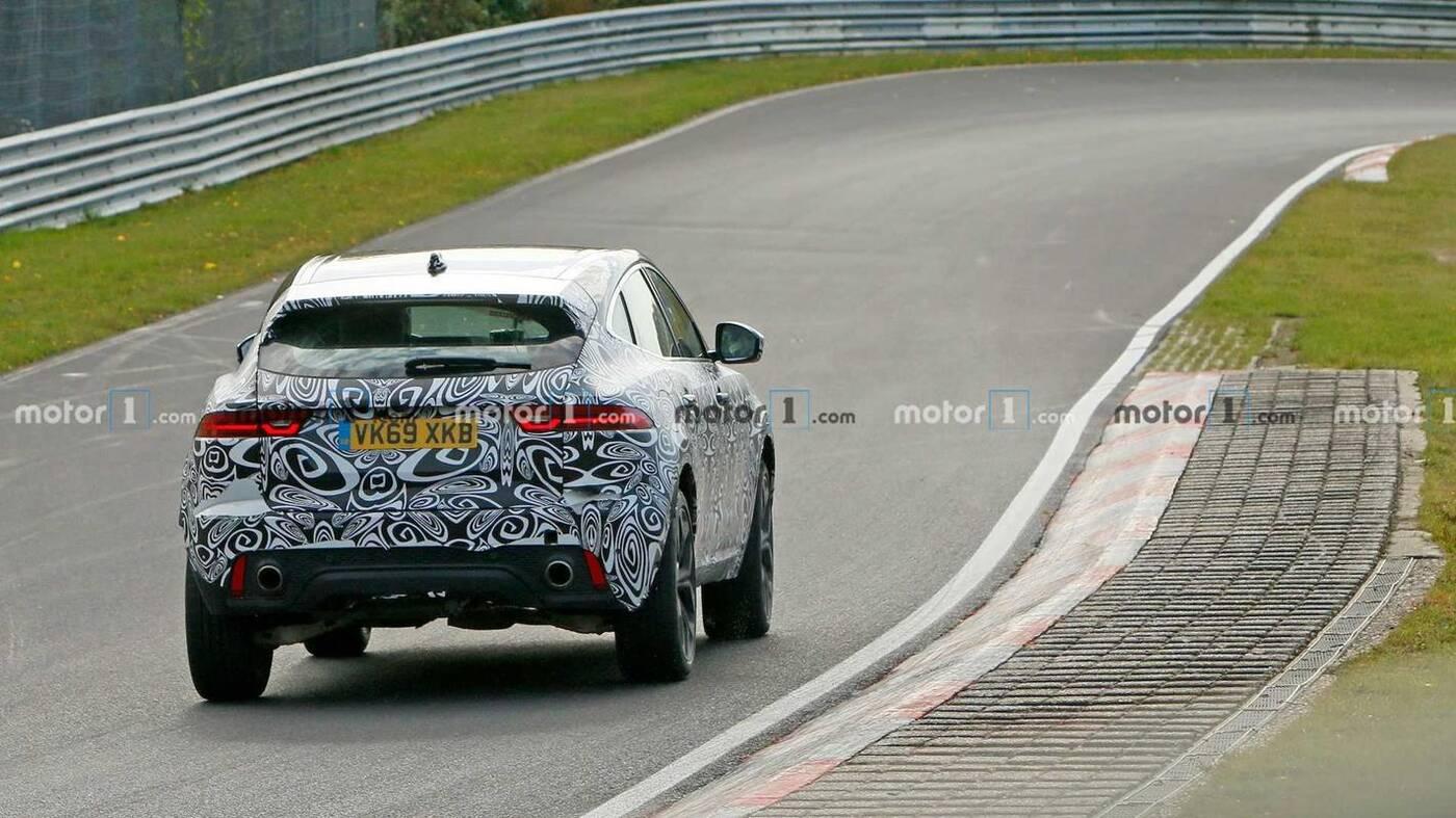 Rzućcie okiem na odświeżenie Jaguara E-Pace 2021