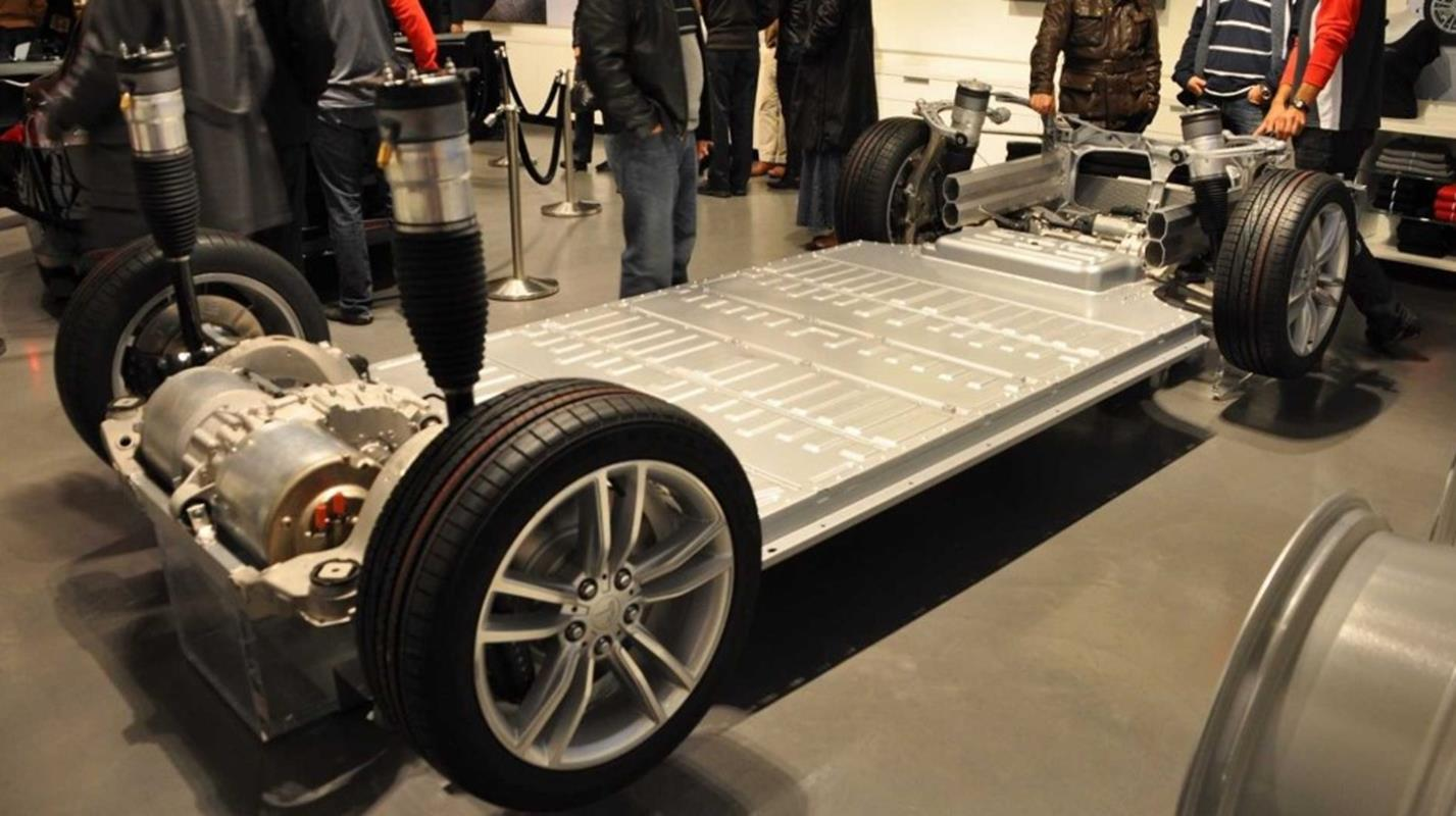 Tesla porzuci niegdyś innowacyjny element elektrycznych samochodów