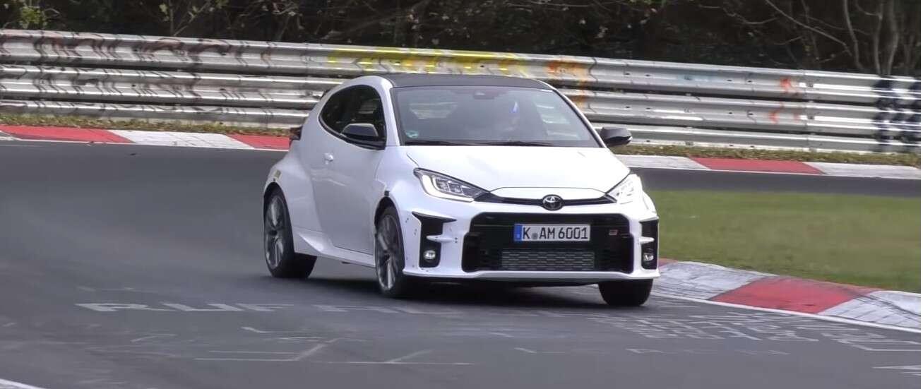 To najpewniej Toyota Yaris GRMN szalejąca po Nurburgring