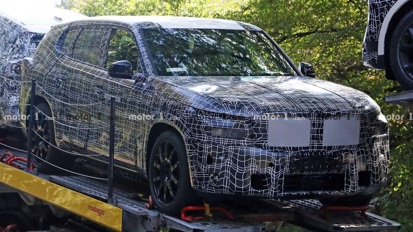 Wyrenderowano tajemnicze BMW X8 z dziwnymi światłami