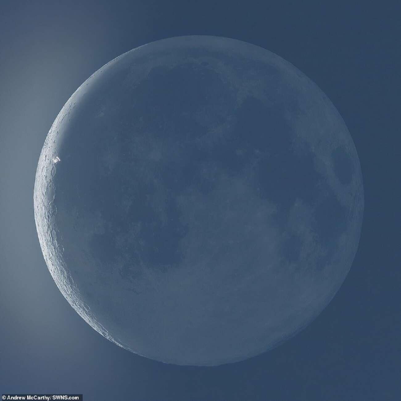 Ile czasu zajęłoby obejście Księżyca?