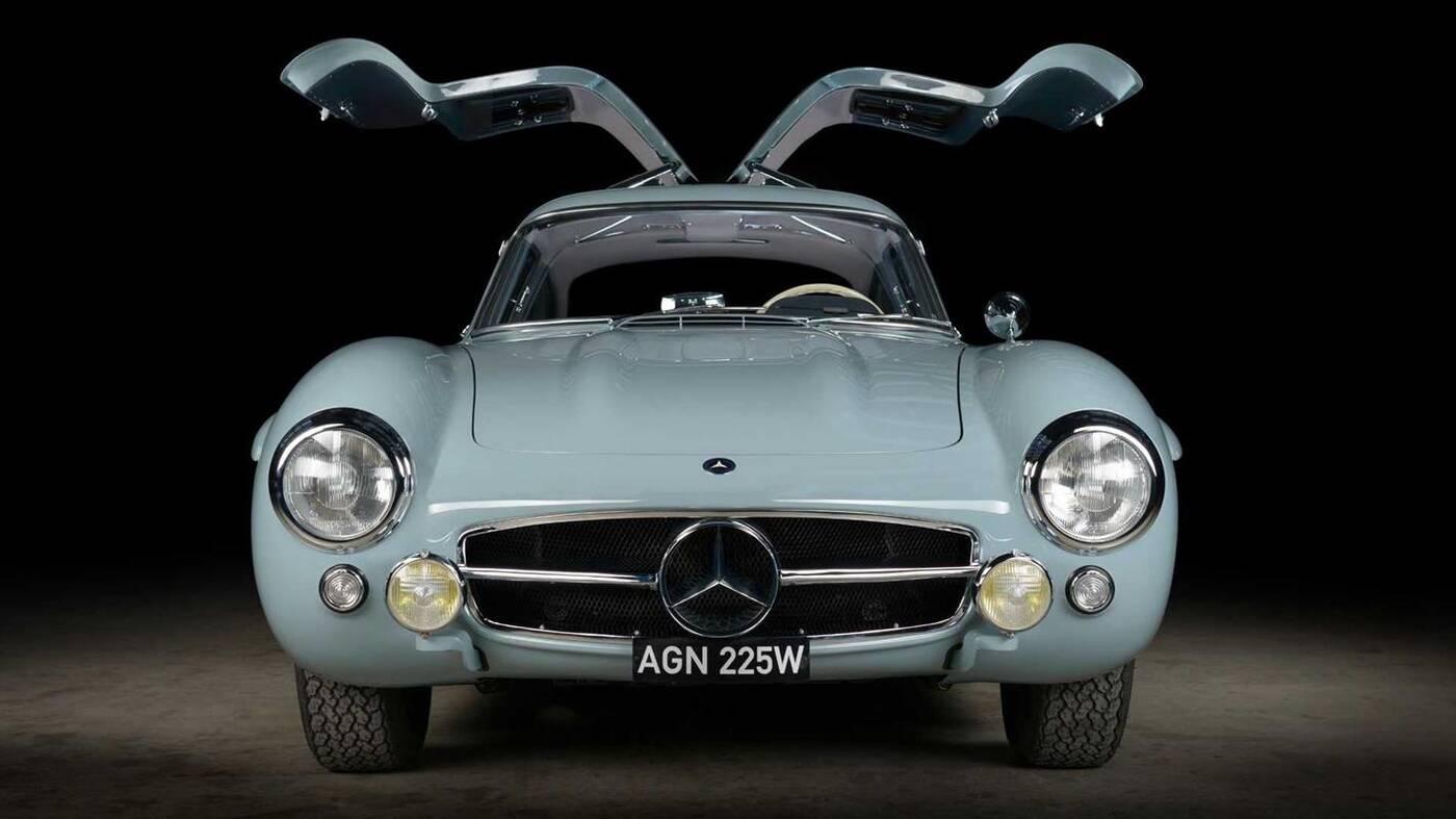Mercedes 300SL Gullwing odrestaurowany do perfekcji