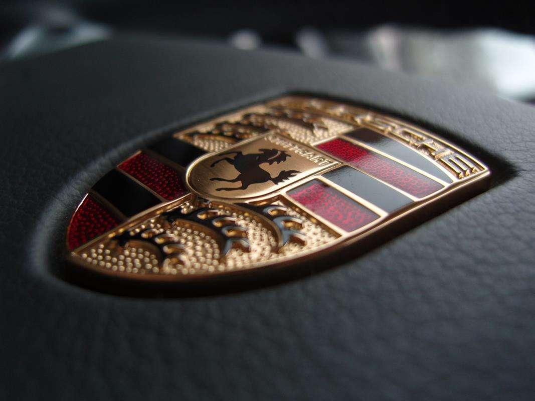 Nowe Porsche 911 GT3 i Cayman GT4 RS wyszpiegowane