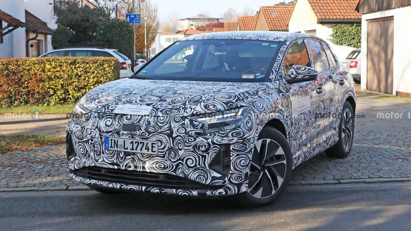 Oto wnętrze Audi Q4 E-Tron. Testowe egzemplarze wyszpiegowane